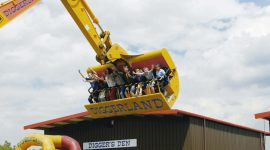 Spin Dizzy, an official K-Rated attraction © Diggerland