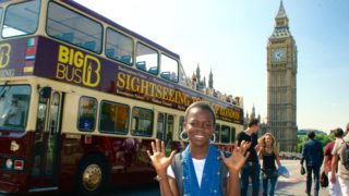 girl reviews the big bus sightseeing tour london by big ben