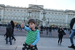 Thumbs up for the Queen's pad at Buckingham Palace