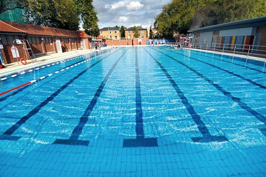 Summer in london kidrated picks for Hampstead heath park swimming pool