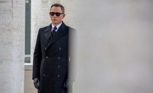 Bond pout