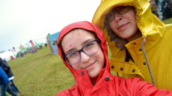 slummy single mummy mummy blogger jo middleton and daughter in anoraks kidrated